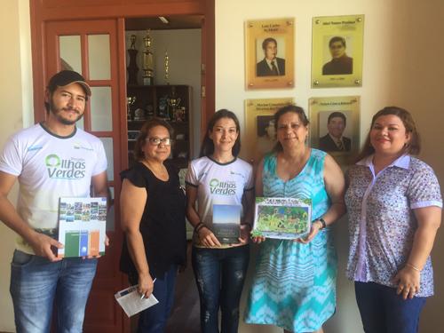 Prefeitura de Porto Murtinho recebe calendário do projeto Calendário Ecológico.