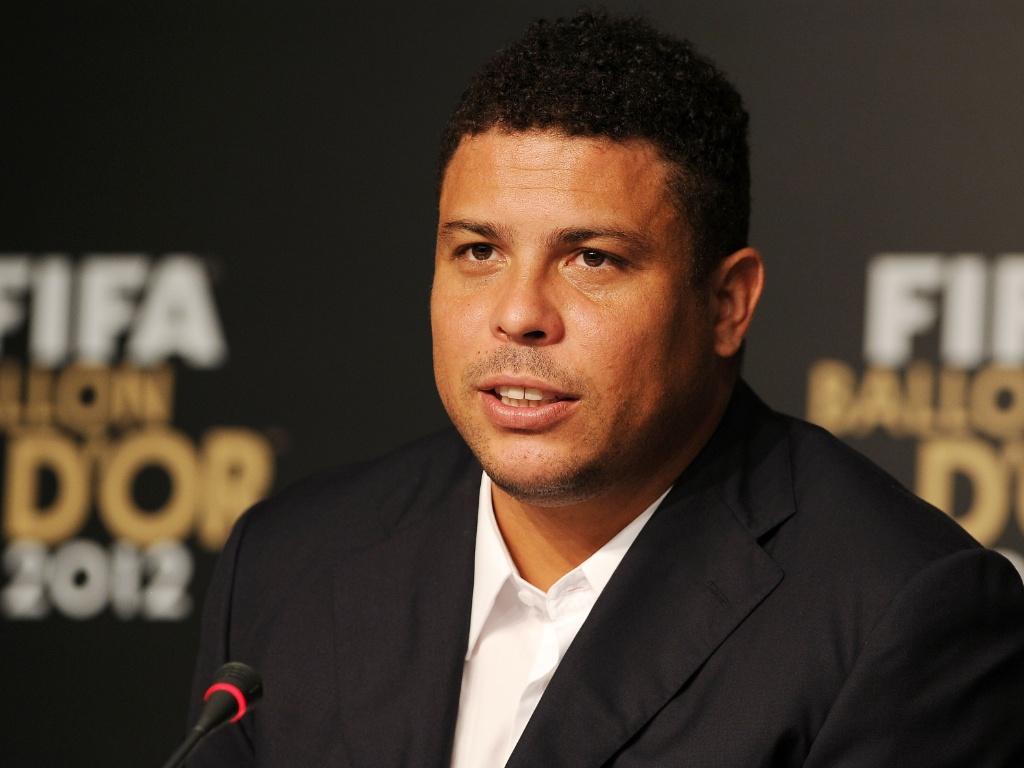 """Ronaldo: """"Dunga não é o nome ideal para a seleção, mas tirá-lo agora seria errado"""""""