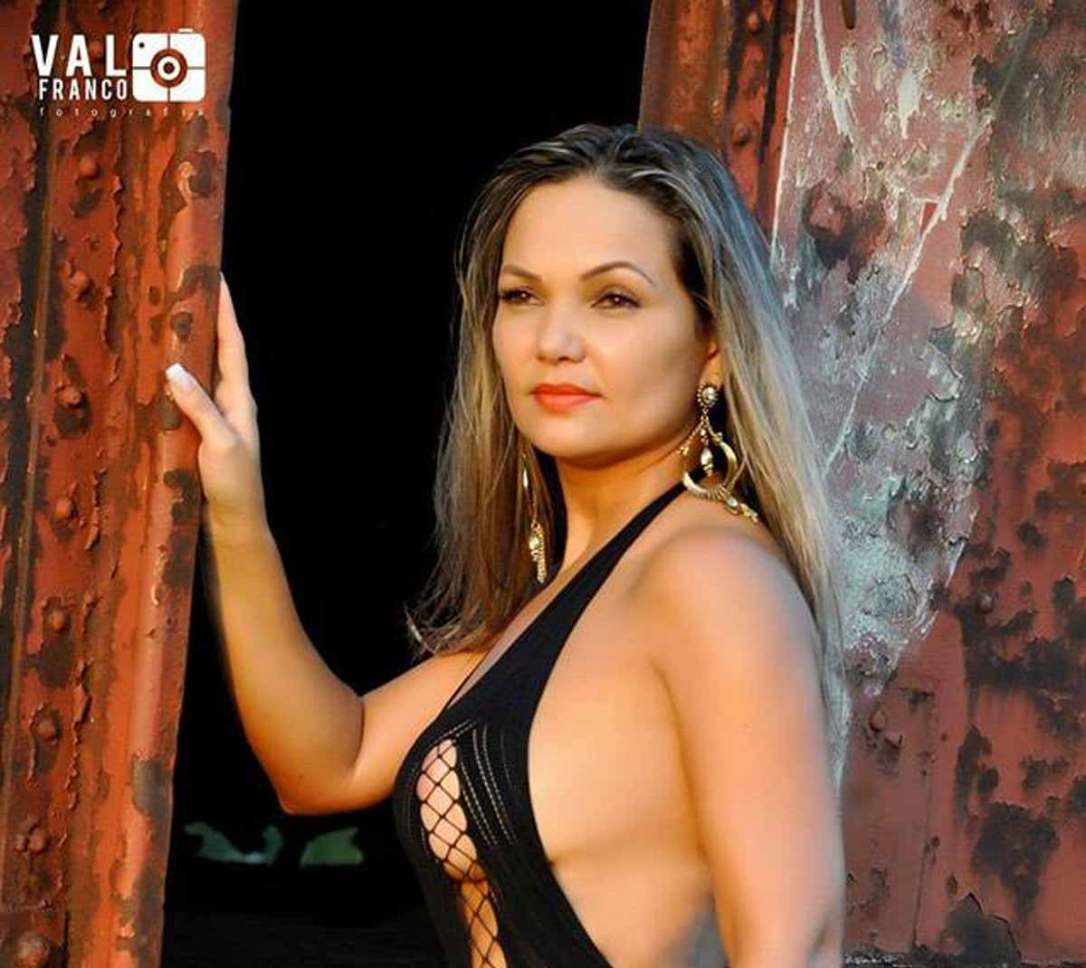KASSIA NUNES, A MUSA FITNESS QUE VEM MOVIMENTANDO A INTERNET EM MATO GROSSO DO SUL