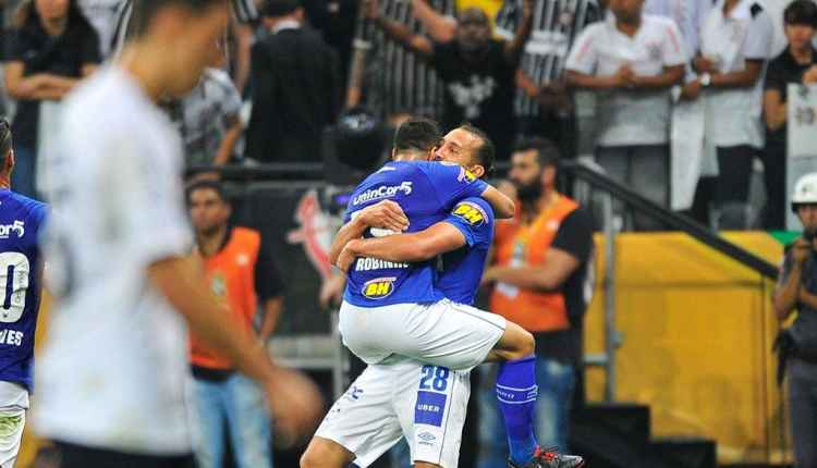 Cruzeiro confirma fama de carrasco de paulistas na Copa do Brasil