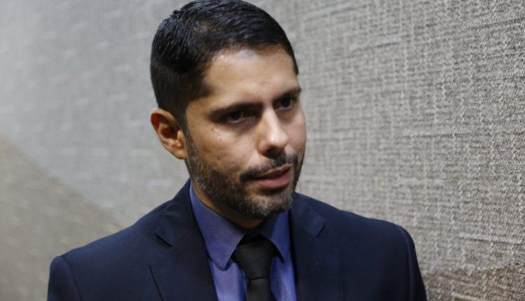 Vamos investigar, doa a quem doer: Marcos Alex rebate críticas e nega 'atuação midiática'