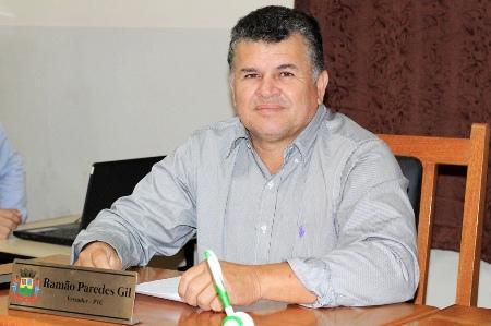 Vereador Ramão Paredes pede cascalhamento na Rua Dinarte dos Santos