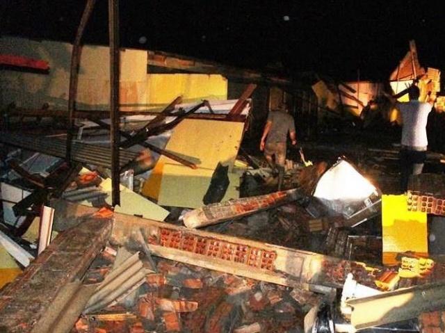 Temporal acaba com barracão e deixa rastro de destruição em Amambai