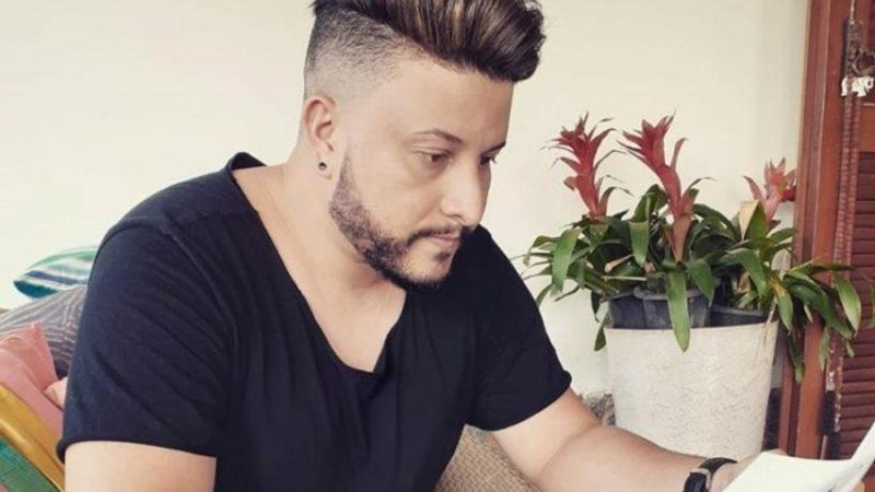 Cantor que iniciou carreira em Batayporã lança clip sobre prevenção ao câncer de mama