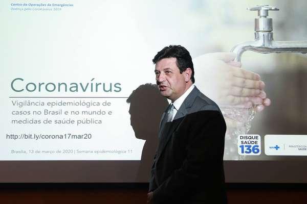 Remédio de malária é liberado para casos graves de covid-19