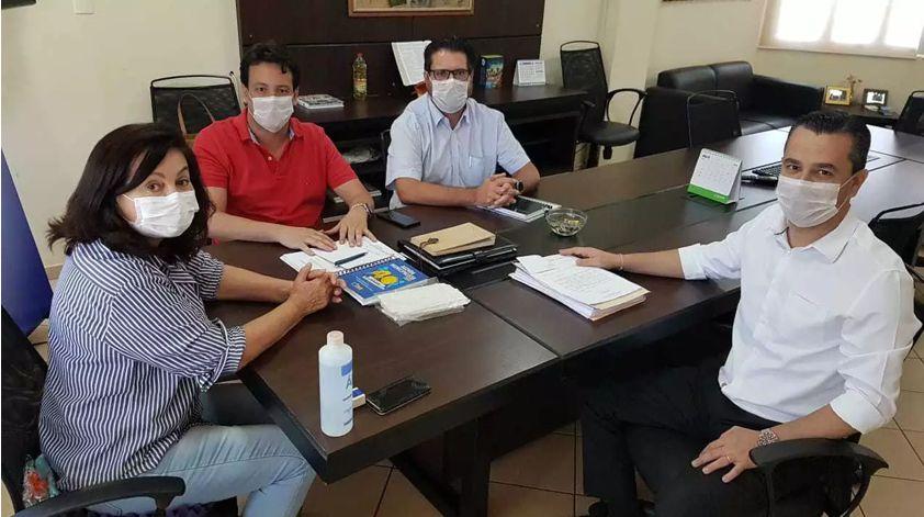 DOURADOS – Prefeitura antecipa férias escolares e corta salário de 2.100 contratatos