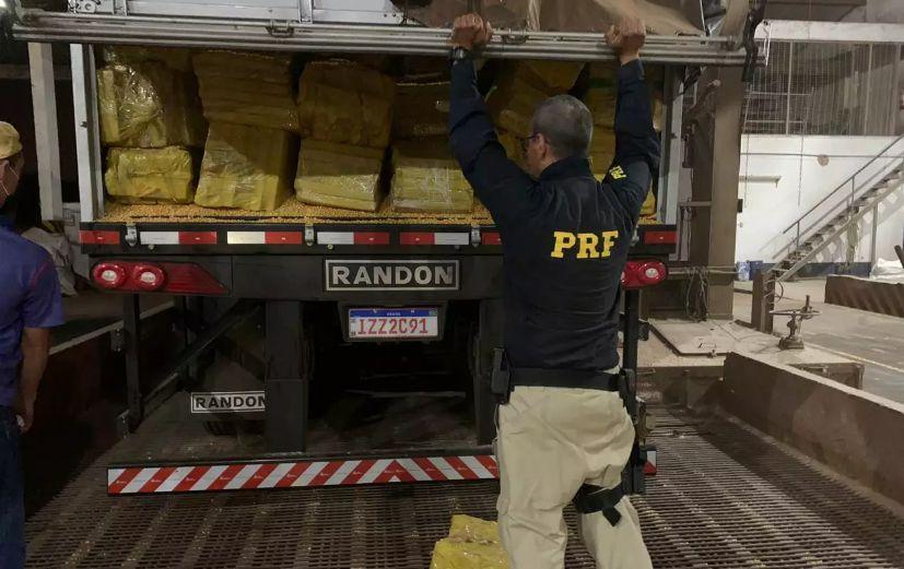 Maior apreensão em MS, caminhão com cerca de 28 t de maconha é flagrado pela PRF