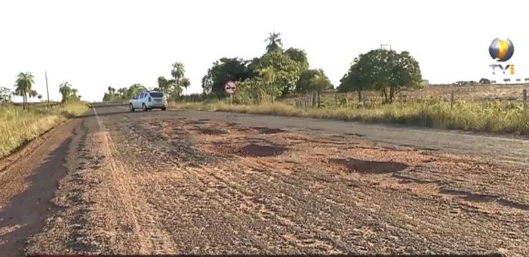 Buracos na BR-060 entre Bela Vista e Jardim causam prejuízos e transtornos aos motoristas