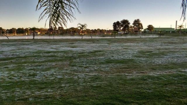 Várias cidades amanhecem com geada e sensação térmica chega a zero grau em MS