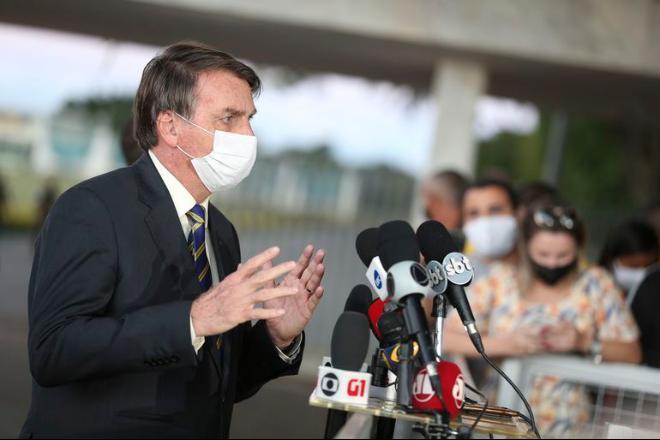 Bolsonaro diz que é contra exame da OAB: 'caça-níquel'