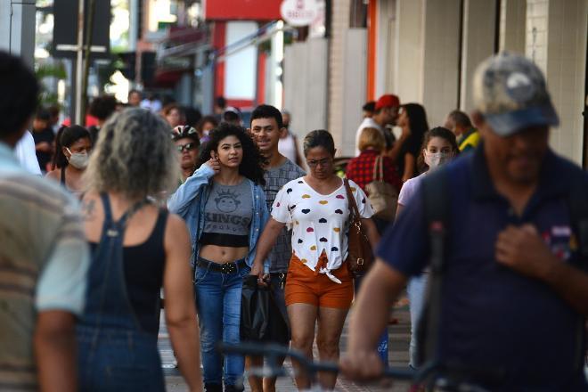 Ministério Público pede que prefeito torne uso de máscaras obrigatório em Campo Grande