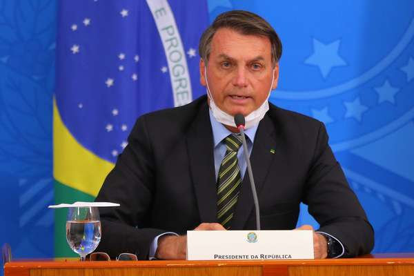 Bolsonaro: mortes por covid-19 devem ser direcionadas a governadores e prefeitos