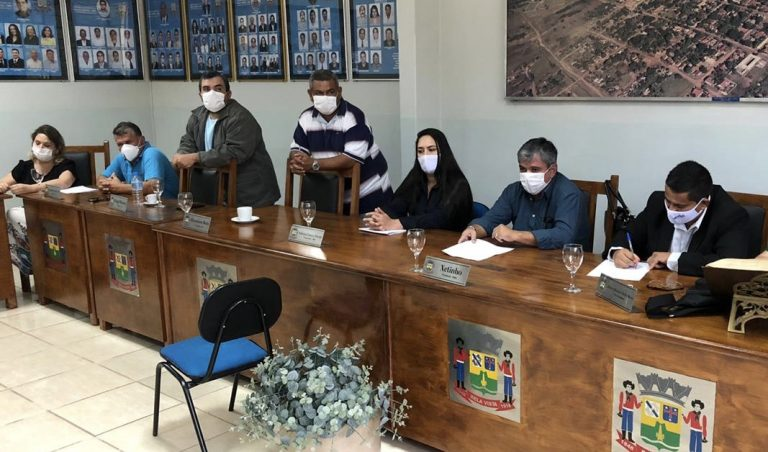 Em reunião para discutir medidas contra o covid-19, prefeito Piti diz que barreira sanitária é inviável