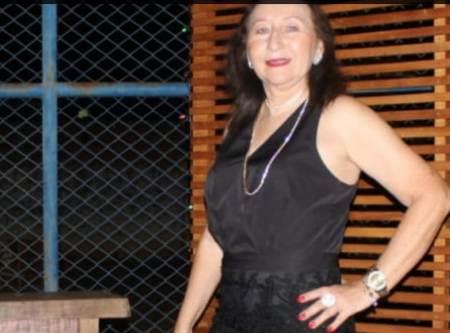 Professora Emilce Maria Cândia é congratulada com Moção de Aplausos