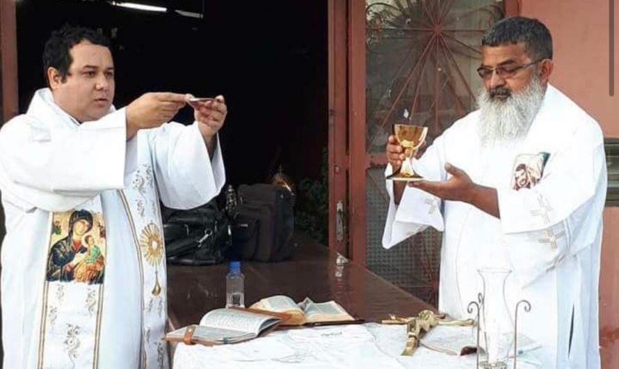 Padres Ezequiel e Gustavo recebem Moção de Aplausos