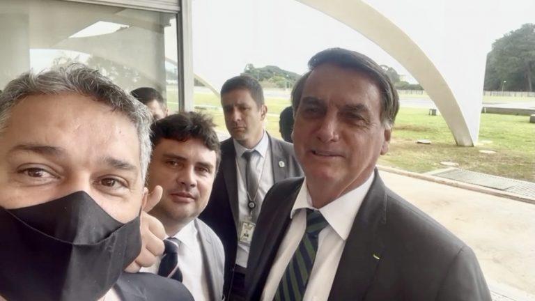 Vereadores de Bela Vista entregam pedidos de recursos ao presidente Jair Bolsonaro