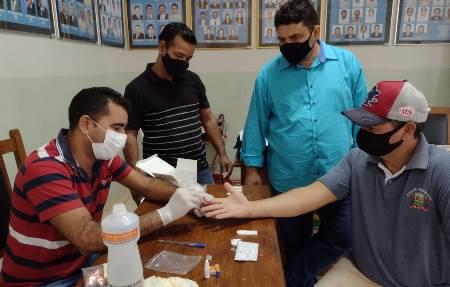 Vereadores e Funcionários da Câmara de Bela Vista passam por testagem para Covid-19