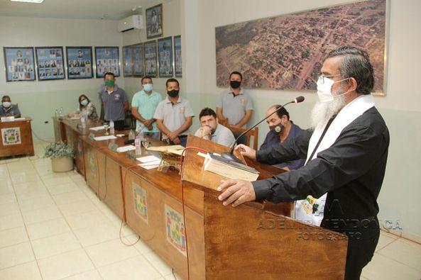 Câmara Municipal recebe Benção do Padre Ezequiel Pedra