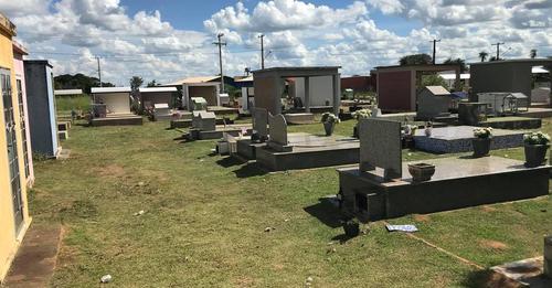 Vereador Diogo Murano pede construção de muro no Cemitério da Água Doce