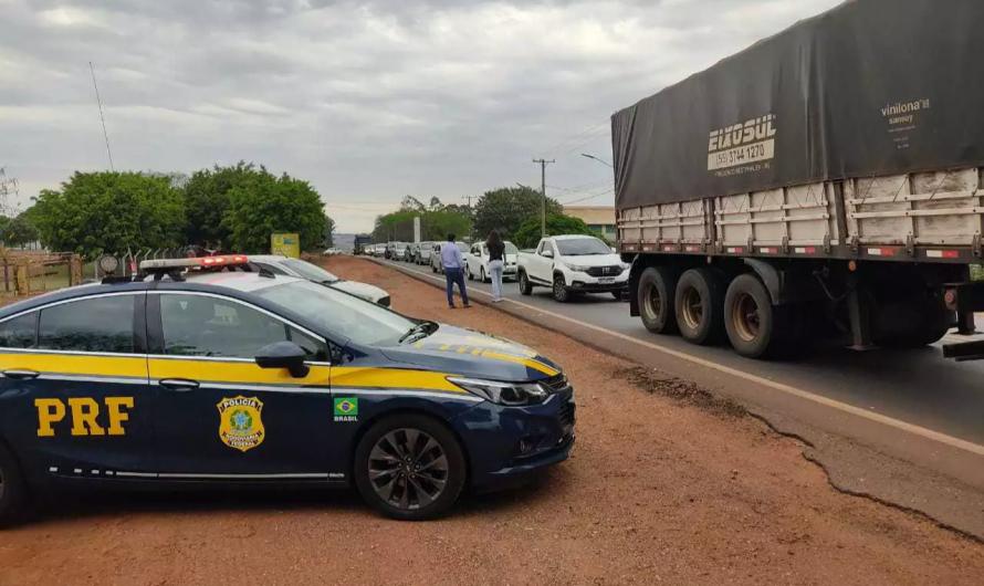 Protesto de caminhoneiros fecha rodovias em MS