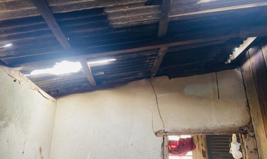Espíritos ou Vândalos? Pedradas destroem telhados e aterrorizam moradores do bairro Clarão da Lua em Bela Vista